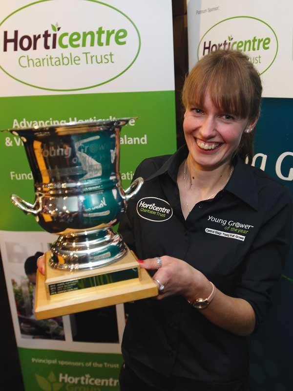Ellen-Watt-wins-Central-Otago-Young-Grower-2.jpg