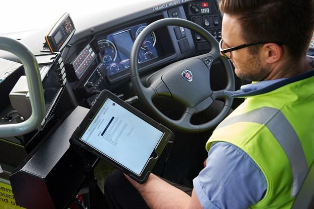 Scania technicians take tablets to work DSC_5513.jpg