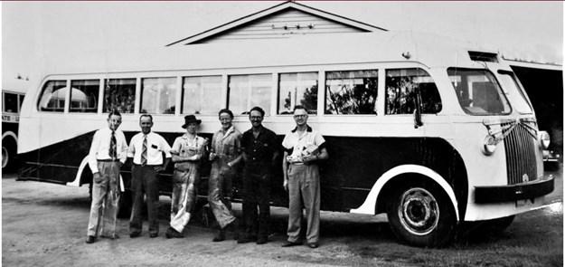 qld bedford retro bus.JPG