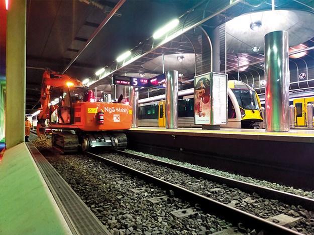 Hitachi-machines-hi-rail-2.jpg