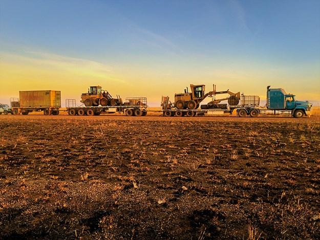 Nick-Jo-Outback-Truckers-6.jpg