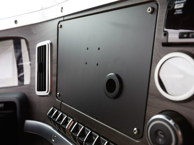 western-star-47Xx-flex-panel.jpg