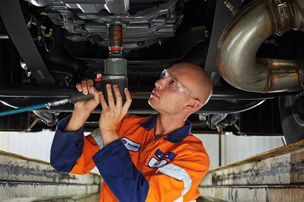 Scania-apprentice-technician.jpg