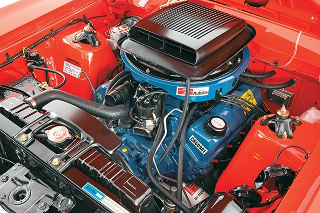 ford-falcon-gtho-engine-bay.jpg
