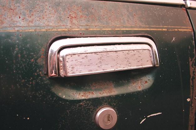holden-vb-commodore-door-handle.jpg