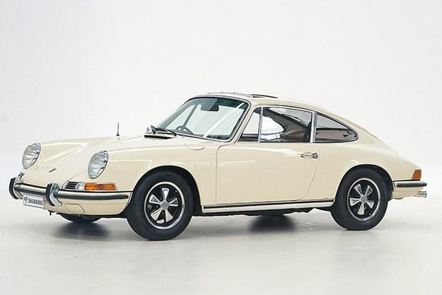 1971 Porsche 911E Sporto.jpg