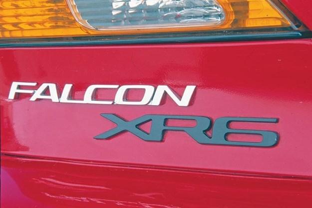 ford-falcon-xr6-badge.jpg