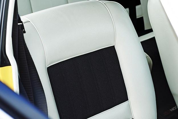 ford-falcon-xy-gtho-phase-iii-seat.jpg