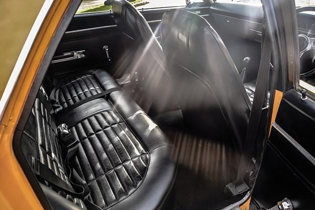 chrysler-vh-pacer-interior-3.jpg
