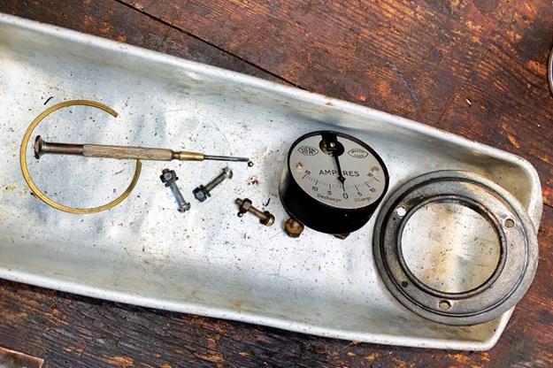 gauges-2.jpg