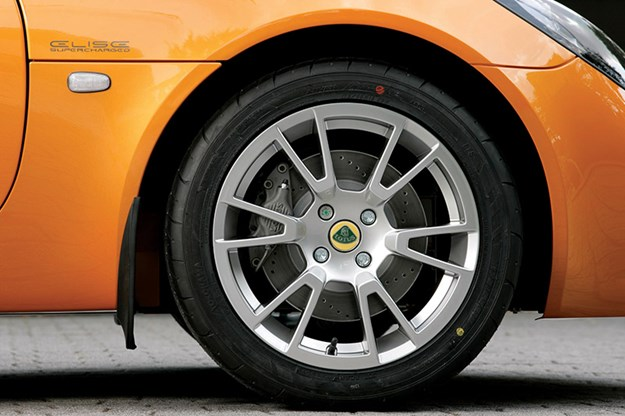 lotus-elise-wheel.jpg