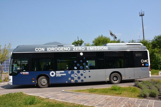 Hydrogen Bus (5).JPG