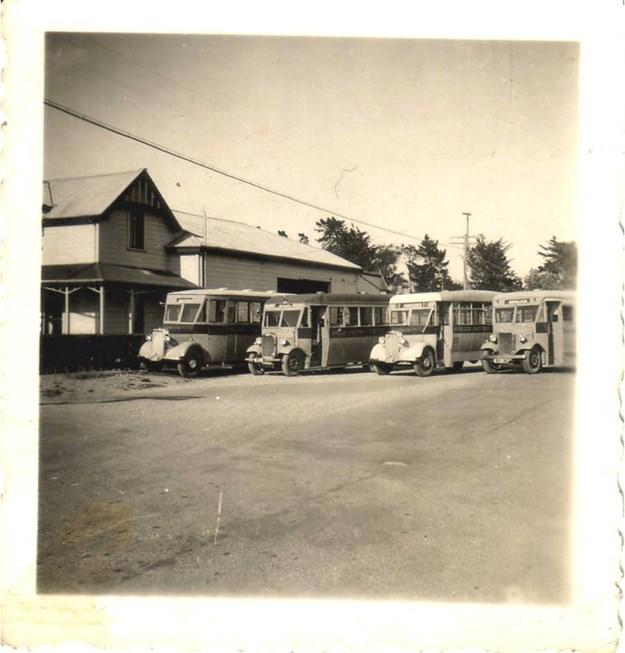 Nimon Bus Fleet 1937.jpg
