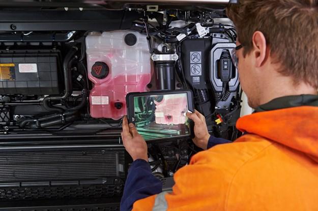Scania technicians take tablets to work DSC_5402.jpg