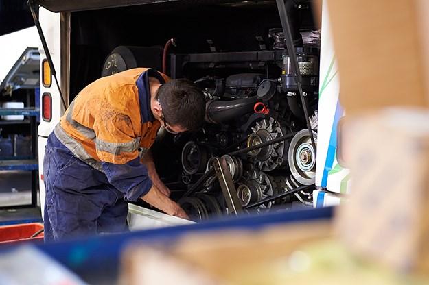 Scania bus technicians DSC_4662 2.jpg