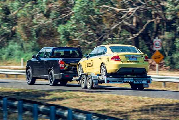 SsangYong_Musso_Unlimited_XLV_towing_rear.jpg