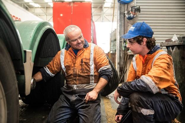Mechanic Glen Brown with first year apprentice Damon Phegan.jpg