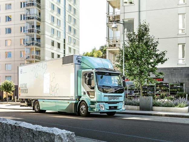 New-Volvo-electric-trucks-for-urban-transport-2.jpg