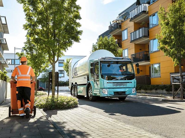 New-Volvo-electric-trucks-for-urban-transport-3.jpg