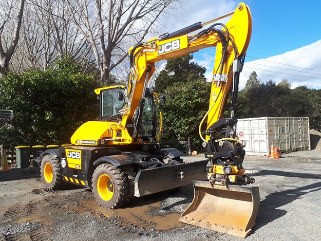 The 11T JCB Hydradig with the engcon tiltrotator