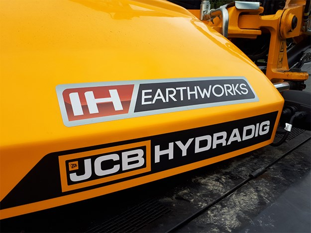 IH Earthwork's engcon tiltrotator was the first to be sold in NZ by Global Survey