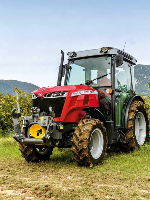 mf3710s_tractor_harrow_vines_it_0917_9466_144176.jpg