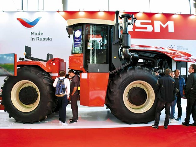Russians-reveal-big-RSM-2400-Series-tractors.jpg