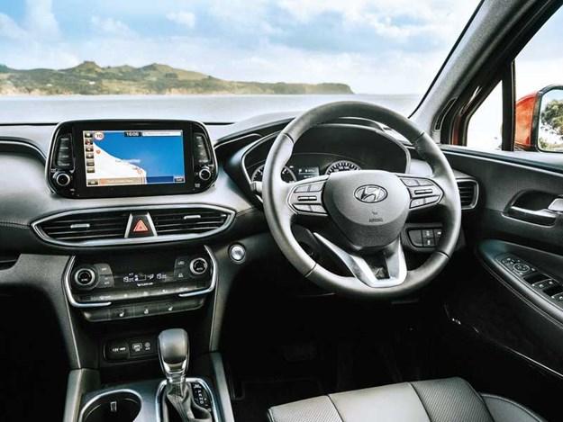 Hyundai-Santa-Fe--3.jpg