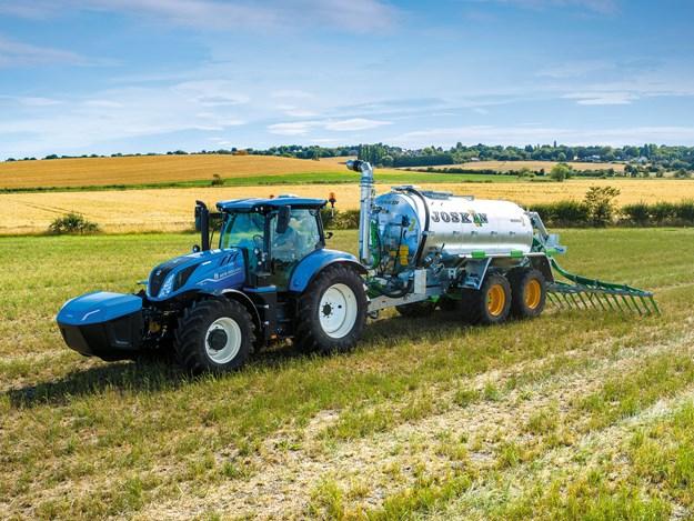 01_T6_180_Methane-Power-tractor.jpg