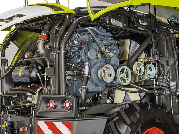 Claas-Jaguar-970-engine.jpg