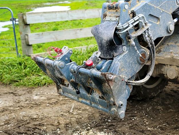 Giant-G5000-wheel-loader-hydraulics.jpg