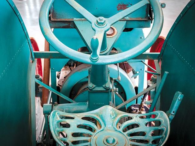 mercedes_tractor_10.jpg