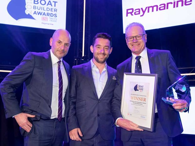 NZ-Marine%27s-Peter-Busfield-is-presented-with-the-accolade-in-Amsterdam-by-IBI%27s-Ed-Slack-and-Nick-Hopkinson.jpg