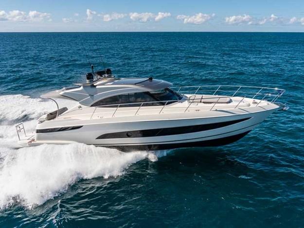 Riviera-4800-Sport-Yacht-Series-II-Platinum-Edition-Running-01.jpg
