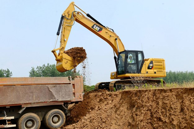 Cat-323-excavator