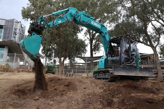 Kobelco-SK75SR-7-excavator