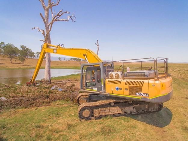 Hyundai-and-Heking-excavators