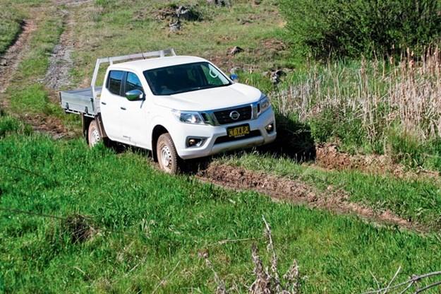 Nissan-Navara-RX-4x4-ute
