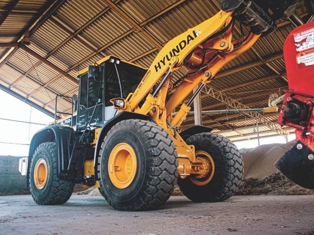 The Hyundai HL760-9 wheel loader working on a farm in Queensland Australia