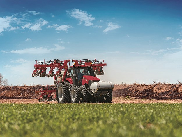 A Case IH Magnum 380 working with the Early Riser 2130