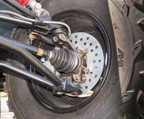 Dual discs up front and single disc on the drive-shaft. Braided lines are part of the package