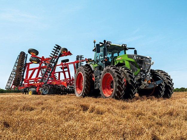 All models in the new 900 series are equipped with an all-new MAN six-cylinder engine.