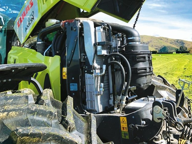 Claas Axion 870 6.7L FPT engine with 295hp
