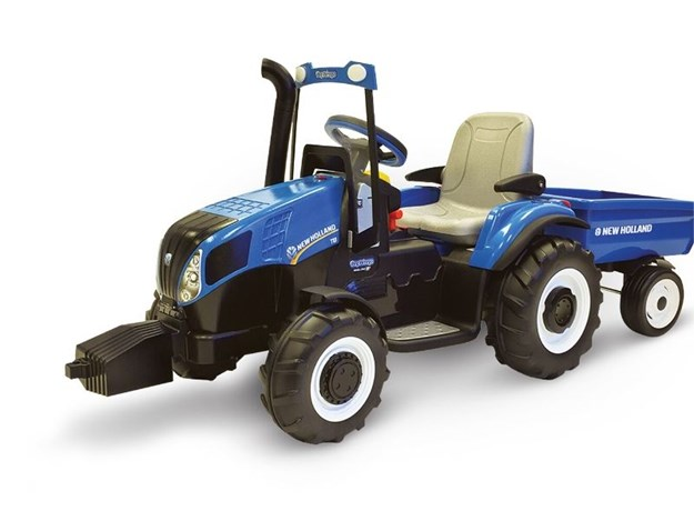 New Holland 12 volt battery operated tractor with wagon