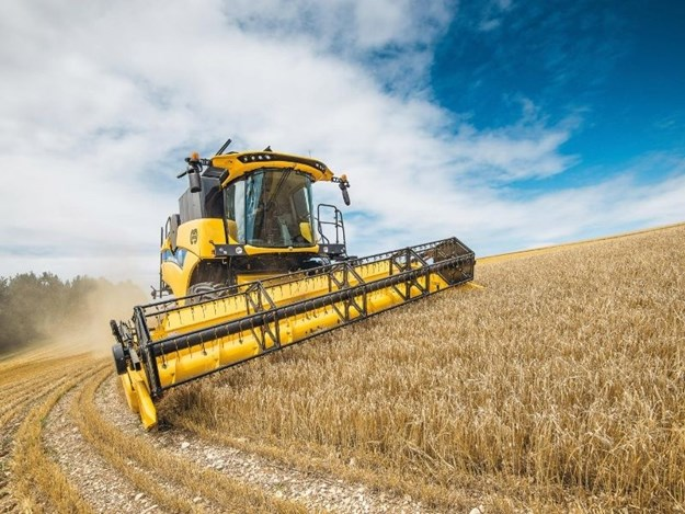 New Holland's new crossover CH7.70 combine harvester