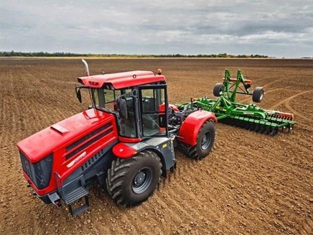 The Kirovet tractor