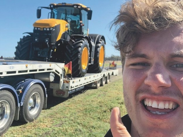 Harry delivering the JCB Fastrac for the big drag race