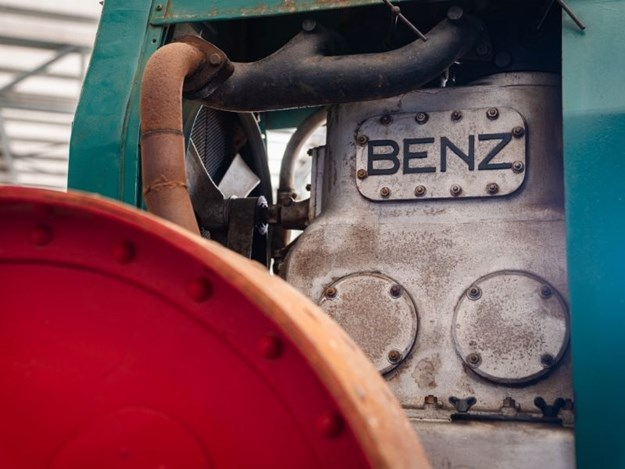 The Benz-Sendling's engine - one of the first diesel engines in a tractor