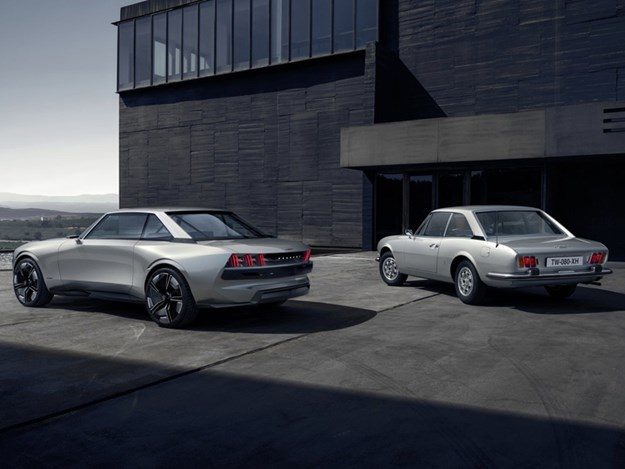 Peugeot-E-Legend-and-504-rear.jpg