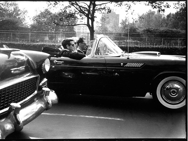 Marilyn-Monroe-ford-thunderbird-and-arthur-side.jpg